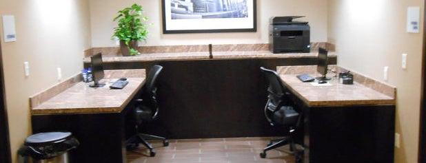 Holiday Inn Express & Suites Kansas City Ku Medical Center is one of DJ : понравившиеся места.