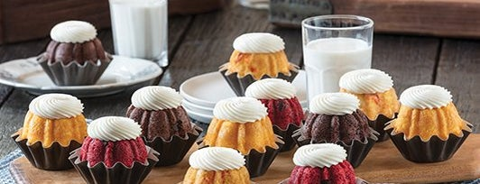 Nothing Bundt Cakes is one of Tempat yang Disukai Elianet.