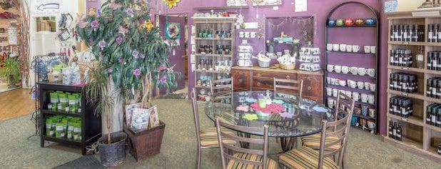 Figments Tea Shoppe & Gallery is one of Locais salvos de Leah.