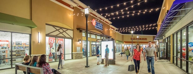 Outlets of Little Rock is one of Locais curtidos por Brad.