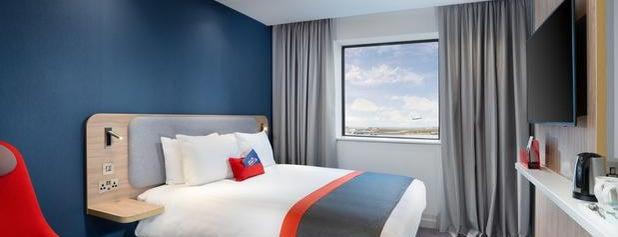 Holiday Inn Express London Heathrow T4 is one of สถานที่ที่ Omar ถูกใจ.