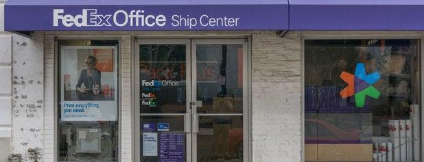 FedEx Office Ship Center is one of Leonda : понравившиеся места.