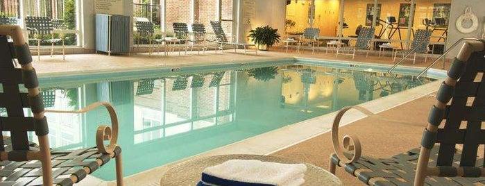 Hampton Inn by Hilton is one of Gavin : понравившиеся места.