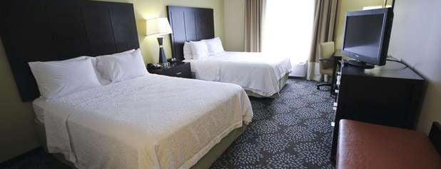 Hampton Inn & Suites is one of Tempat yang Disukai Travelagent.