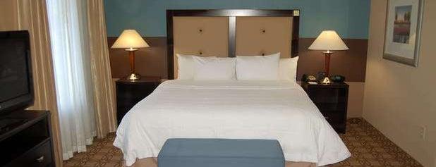 Hampton Inn & Suites Charlotte Airport is one of Tempat yang Disukai Christina.