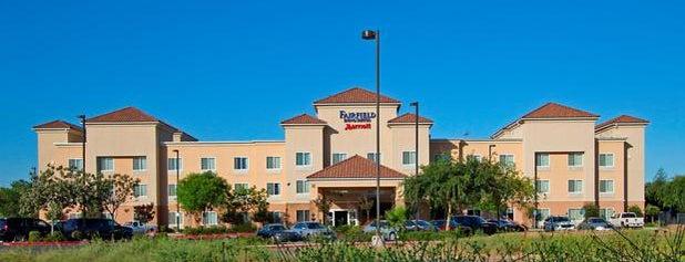 Fairfield Inn & Suites Fresno Clovis is one of Posti che sono piaciuti a Anthony & Katie.
