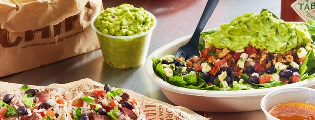 Chipotle Mexican Grill is one of Tempat yang Disukai Michael.