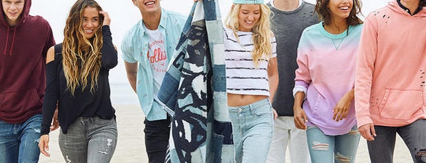 Hollister Co. is one of Posti che sono piaciuti a Courtney.