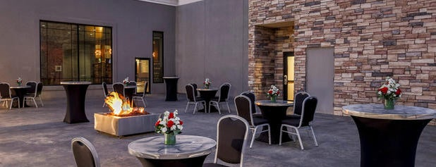 Four Points by Sheraton Bentonville is one of Dave 님이 좋아한 장소.