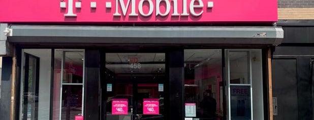 T-Mobile is one of Tempat yang Disukai Warren.