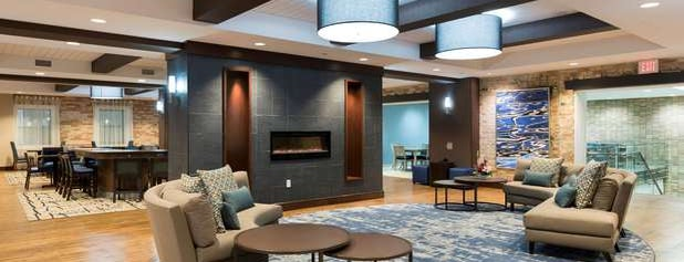 Homewood Suites by Hilton Grand Rapids Downtown is one of Locais curtidos por Kizen.