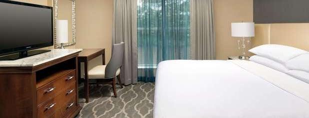 Embassy Suites by Hilton Atlanta Airport is one of Posti che sono piaciuti a Phillip.