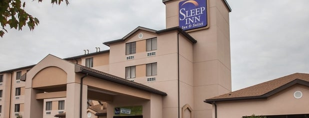 Sleep Inn & Suites is one of Sierraさんのお気に入りスポット.