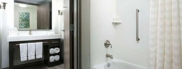 Homewood Suites by Hilton is one of สถานที่ที่ Baris ถูกใจ.