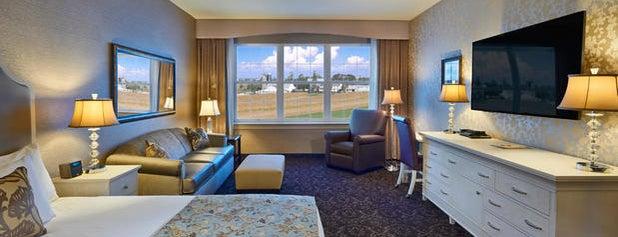 Amish View Inn & Suites at Plain & Fancy Farm is one of Lugares favoritos de Estefania.
