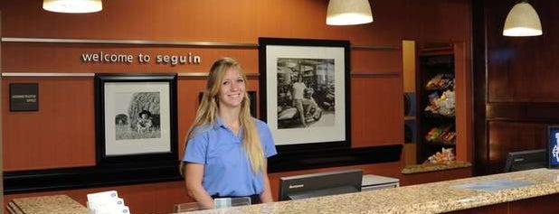 Hampton Inn Sequin is one of Posti che sono piaciuti a Brian.