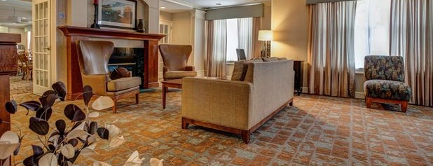 Holiday Inn Express & Suites Amherst-Hadley is one of Locais curtidos por Michael.