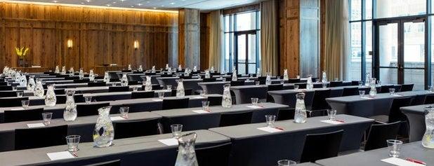 Kimpton Hotel Born is one of Lieux qui ont plu à Francis.