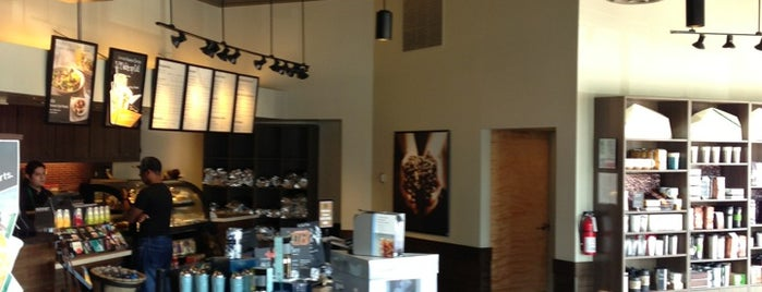 Starbucks is one of สถานที่ที่ Reneeshia ถูกใจ.