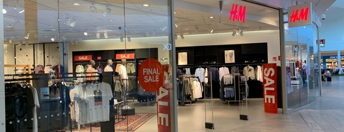 H&M is one of Matkus Shopping Center.