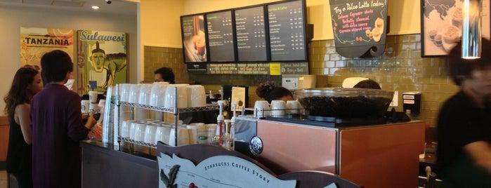 Starbucks is one of Tulip 님이 좋아한 장소.