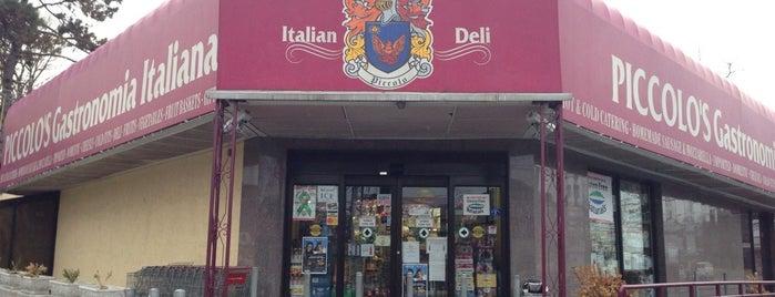 Piccolo's Gastronomia Italiana is one of Locais curtidos por Al.