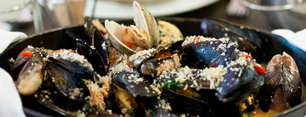 Flex Mussels is one of 17 Insanely Delicious Skillet Meals in NYC.