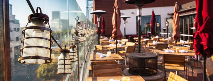 Sonoma Wine Garden is one of Pay with Cover at These LA Restaurants.