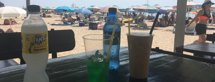Beach bar PERLA is one of Balashov 님이 좋아한 장소.