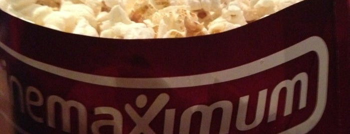 Cinemaximum is one of Locais curtidos por Pelin.