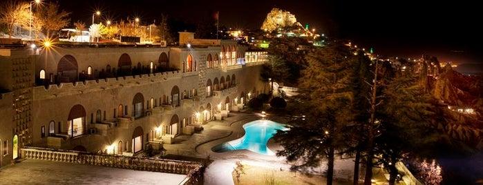 Uçhisar Kaya Hotel is one of tuna'nın Beğendiği Mekanlar.