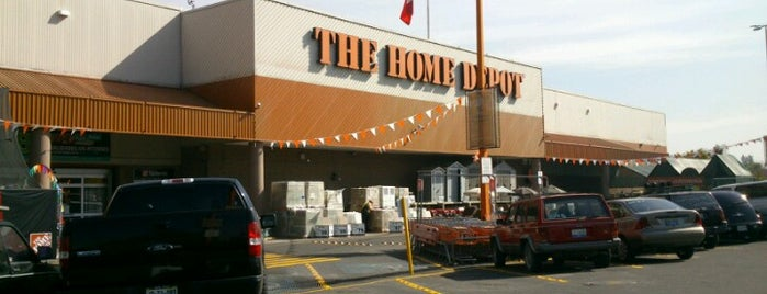 The Home Depot is one of Lugares favoritos de Nayeli.