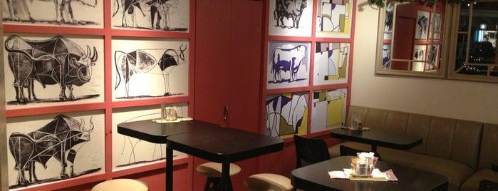 Bull Cafe is one of Posti che sono piaciuti a Aggelos.