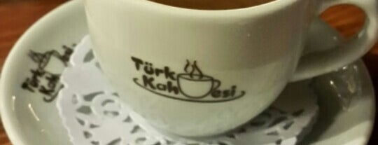 Türk Kahvesi is one of Lieux qui ont plu à Alp Gökçe.