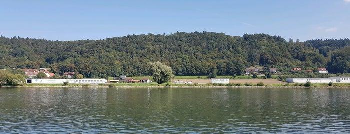 Donaupromenade is one of สถานที่ที่ David ถูกใจ.