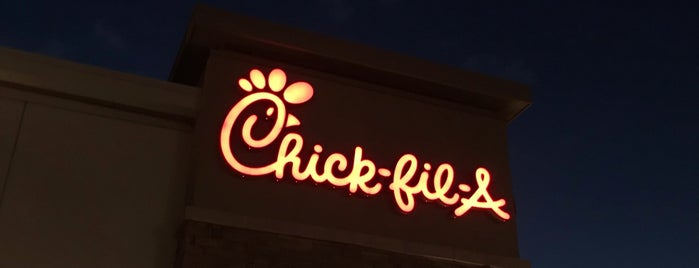 Chick-fil-A is one of Lugares favoritos de Rosana.