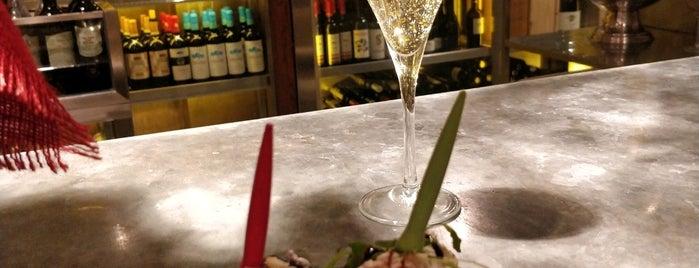 Pinkleton & Wine is one of สถานที่ที่ T. ถูกใจ.