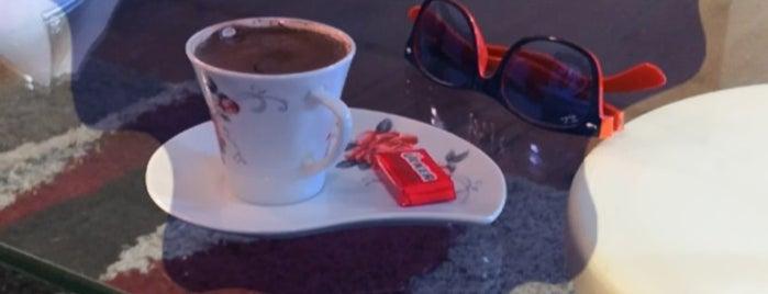 almira cafe is one of @.h.m.e.t'ın Beğendiği Mekanlar.