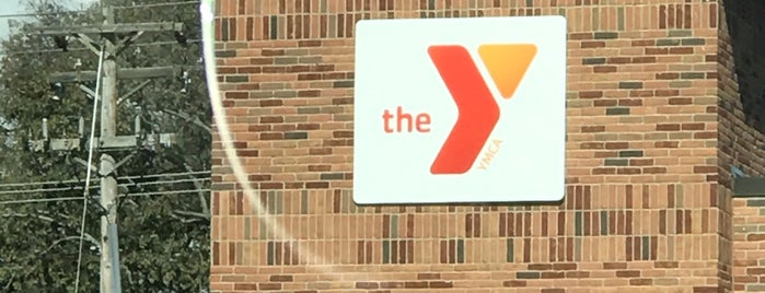 Fairfield YMCA is one of Lugares favoritos de Travis.