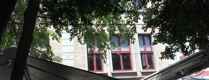 Nazım Hikmet Kültür Merkezi is one of สถานที่ที่ Mete ถูกใจ.