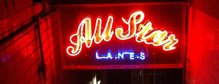 All Star Lanes is one of Locais curtidos por Aisha.