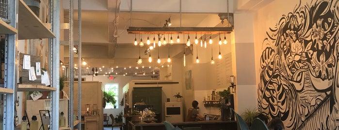 Filament Coffee is one of Lieux qui ont plu à M.