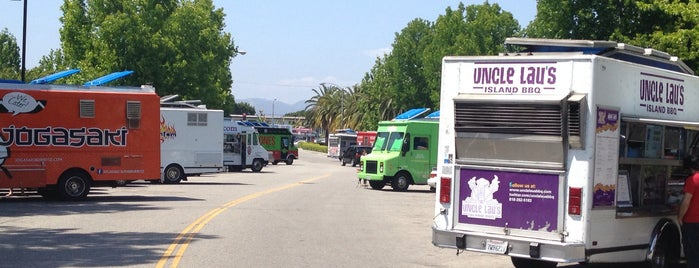 Food Truck Gathering is one of La-La Land.