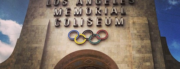 Los Angeles Memorial Coliseum is one of Locais curtidos por Mirinha★.