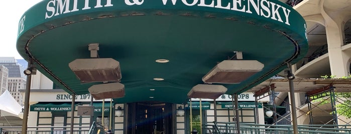 Wollensky's Grill is one of Chi - Restaurants 3.