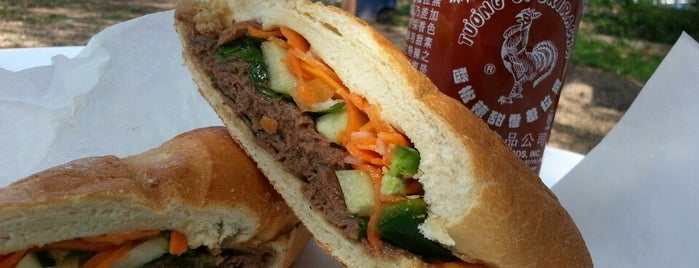 Lulu B's Sandwiches is one of mathewさんのお気に入りスポット.