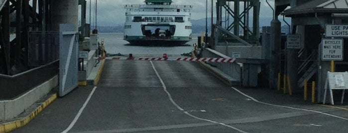Bainbridge Island Ferry Terminal is one of Davidさんのお気に入りスポット.