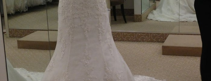 Bridal Salon By Demetrios is one of mis event planning.