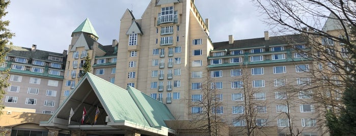 Fairmont Chateau Whistler Gold Reception & Lounge is one of Tempat yang Disukai Winnie.