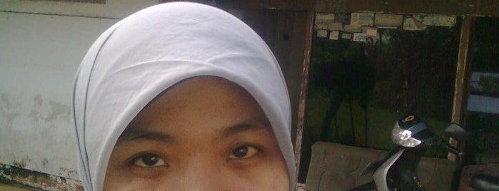 Jl. Ciranjang is one of Lieux sauvegardés par Amira Nasya.